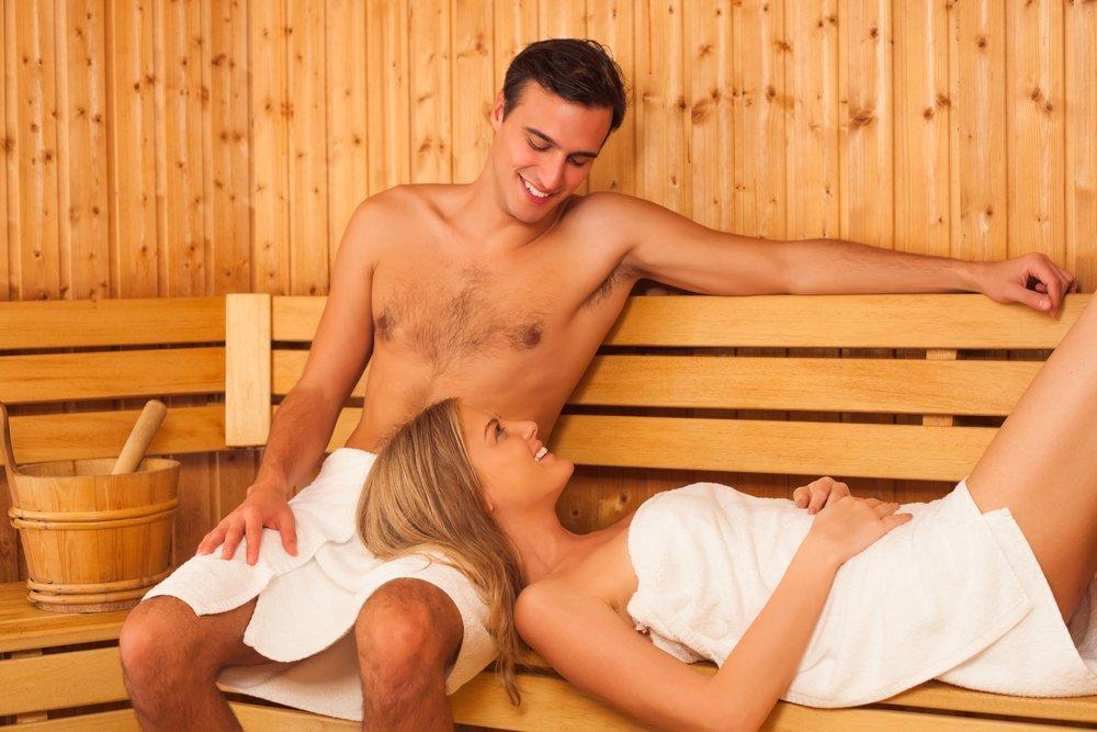 Женщинам захотелось секса в русской бани 10