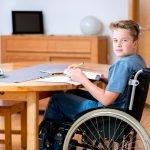 Spina bifida (offener Rücken) kann zu Lähmungen führen
