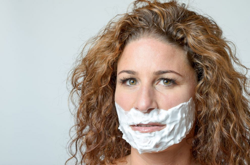 Damenbart mit Enthaarungscreme entfernen - Anwendung & Tipps