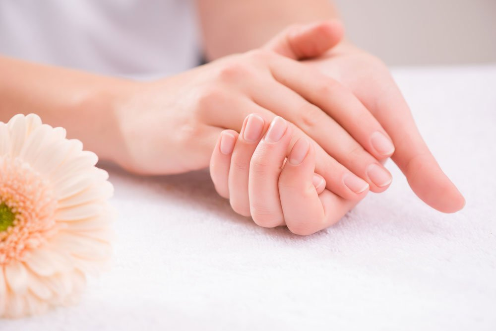 Handmassage: Stimulation der Handreflexpunkte - Ratgeber Beauty