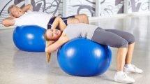 5 Gymnastikballübungen für einen straffen Po