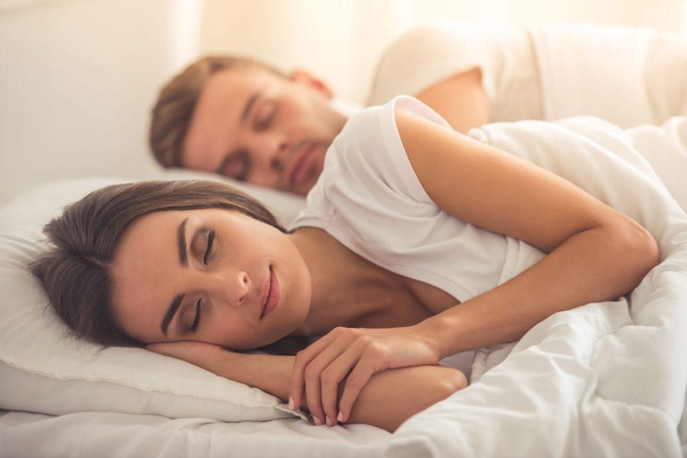 Wie viel Schlaf benötigt ein Erwachsener?