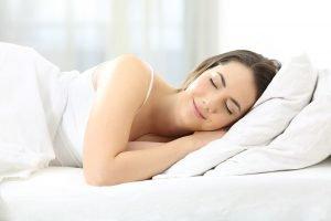 Gesunder Schlaf – Anforderungen an Matratze, Lattenrost und Kissen