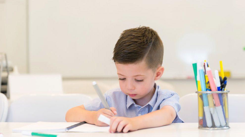 Lernplatz für Kinder einrichten