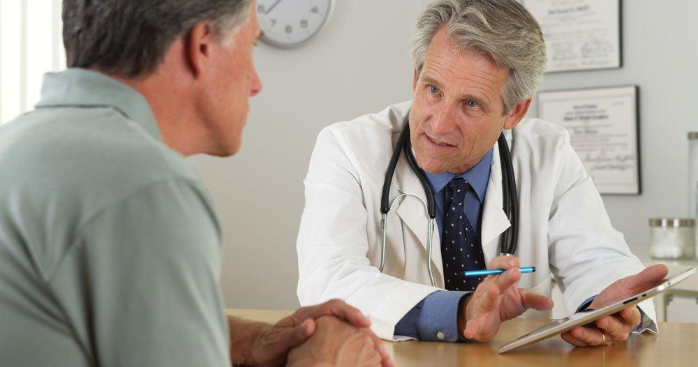 arztgespräch gefäßerkrankung therapie